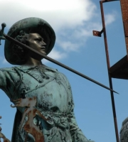 Bronze - Musketiere - Höhe 85 cm - Preis: 1.860 €