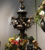 Bronze - Amphore mit Pferde und Engel -  Deckelamphore - Engelamphore  - Höhe 95 cm  - Preis 3.680 €