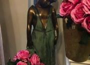 Bronze: Der zerbrochene Krug -Höhe: 100 cm, Preis: 3.700 €