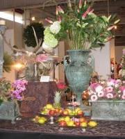 Bronze: Pflanzvase Amphore, Hoch: 100cm, Sockeldurchmesser 41cm x 41cm, Preis: 1.950 €