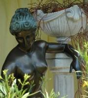Canova die Badende Skulptur Statue Figur Engel Elfe Gartengestaltung Blumengarten Gartengeräte Bronzefigur Bronzestatue  Gartenausstattung