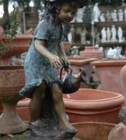 Bronze Figur Mädchen mit Krug