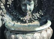 Bronzebrunnen-mit-wasserspeier