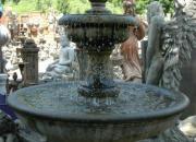Natursteinbrunnen vom Bildhauer