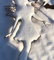 """Scherenschnitt """"Die Elfe"""" im Schnee"""