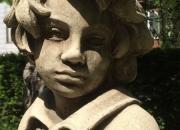 Cottage Figur - englischer Antiksteinskluptur