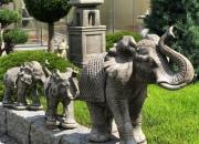 Elefant - Elefantengruppe - Steinguss