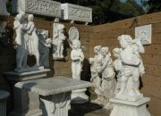 Putten und klassische frostfeste Figuren