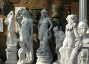 frostfeste Steinfigur / aus Marmorstaub