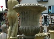 Englischer Antiksteinguss - Amphore - Vase mit Fuß